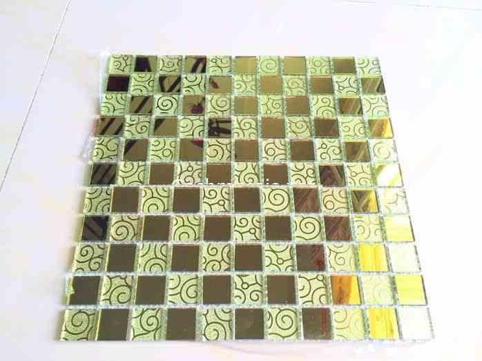 Gạch mosaic hoa văn vàng đậm kích thước 30x30mm AL104