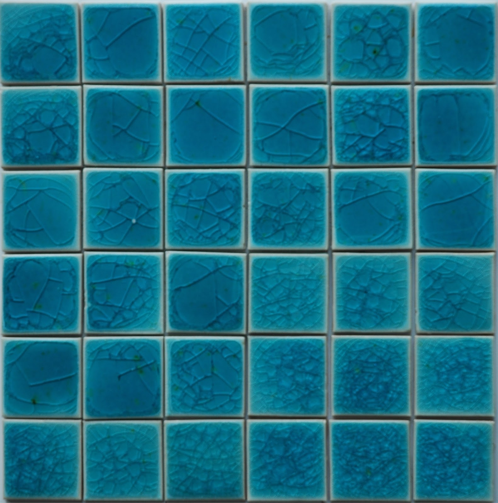 Gạch mosaic ốp bể bơi kích thước vỉ 300x300mm QM5_T010